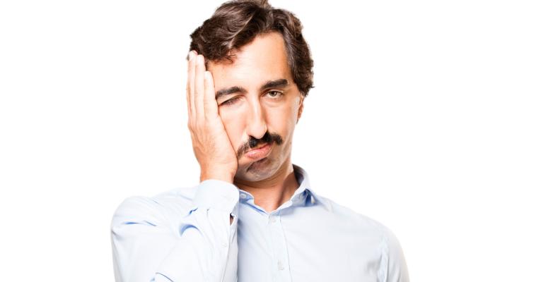 Уставший мужчина, почему люди не хотят работать