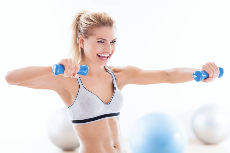 тренировка, девушка тренируется, спорт в радость